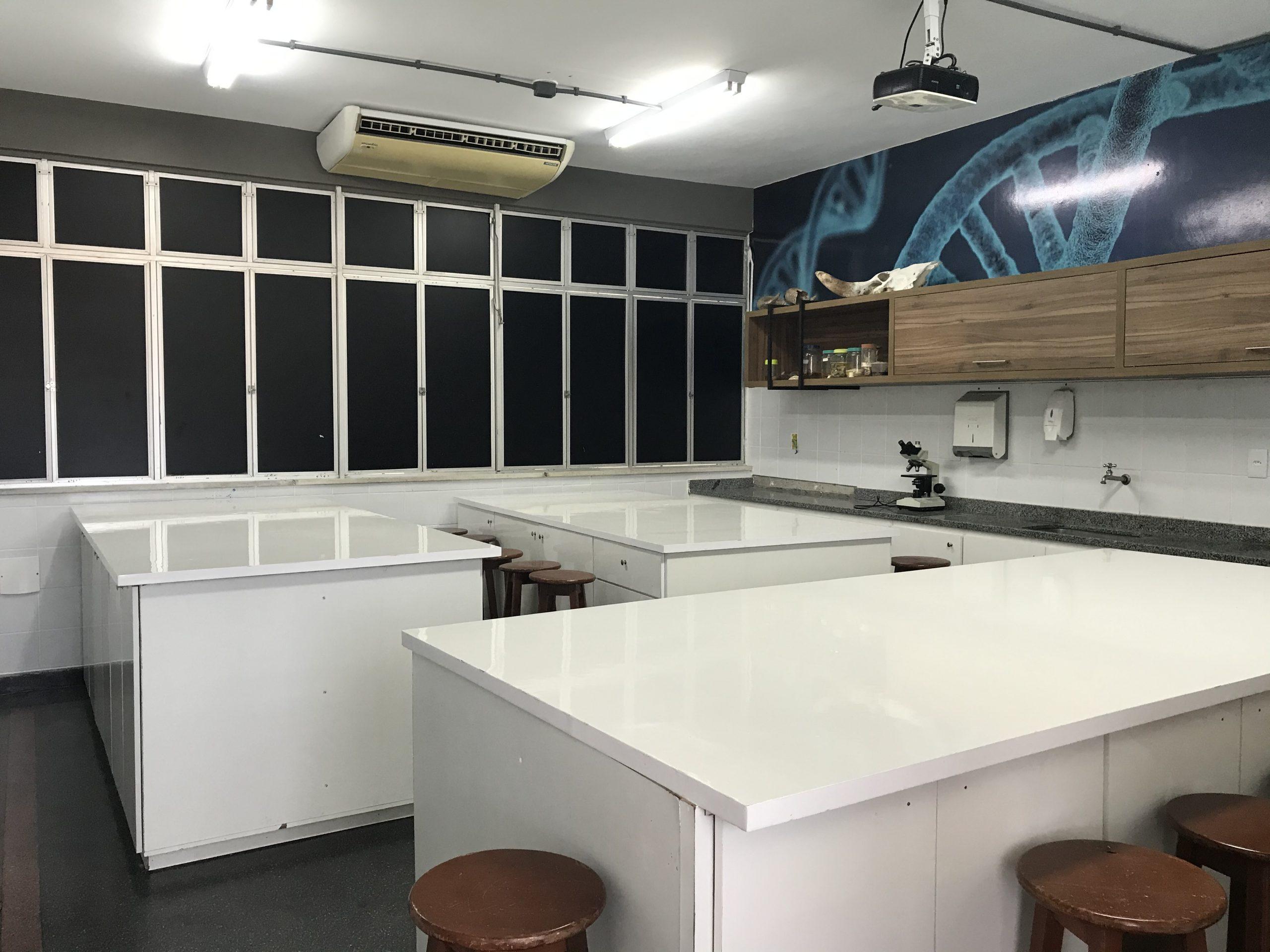 Laboratório de Biologia e Química